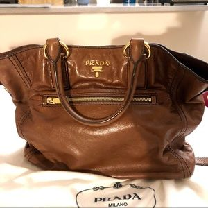 Prada crossbody in brown leather (Gently used)